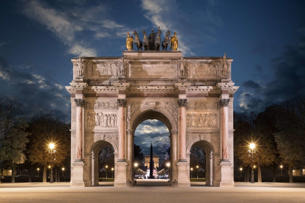 paris-night-walking-tour-arc-de-triopmphe.