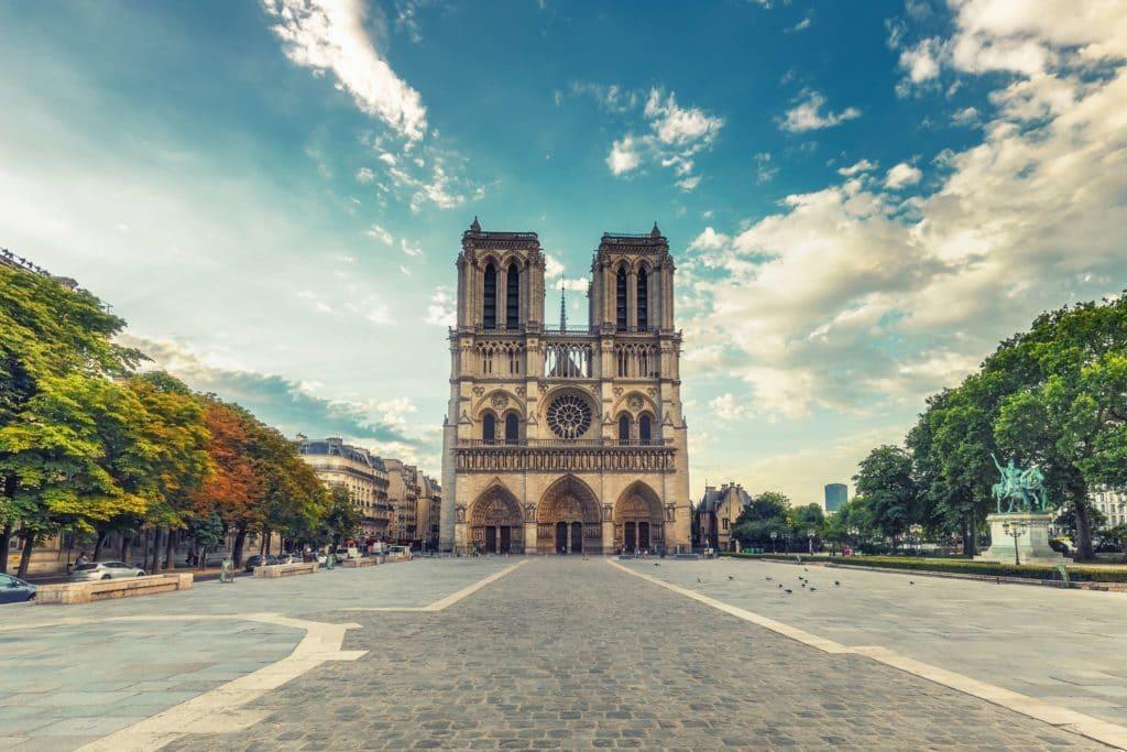 sightseeing-paris-notre-dame