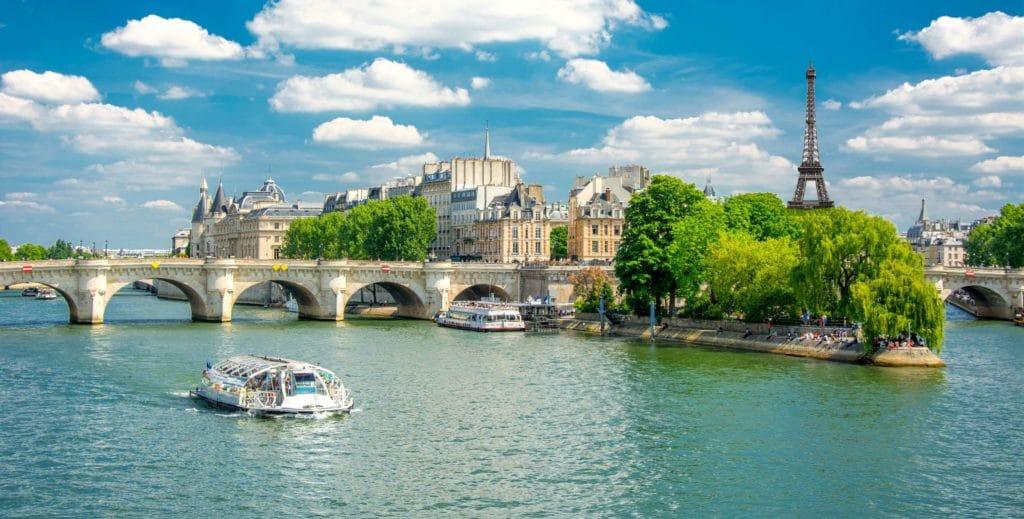 sightseeing-paris-seine