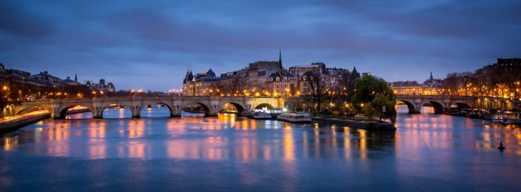 what-to-do-paris-night-pont-neuf.
