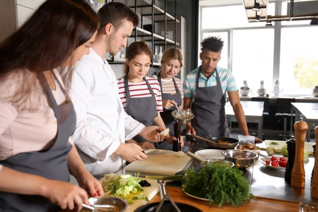 cooking classes paris riviera barcrawl tours