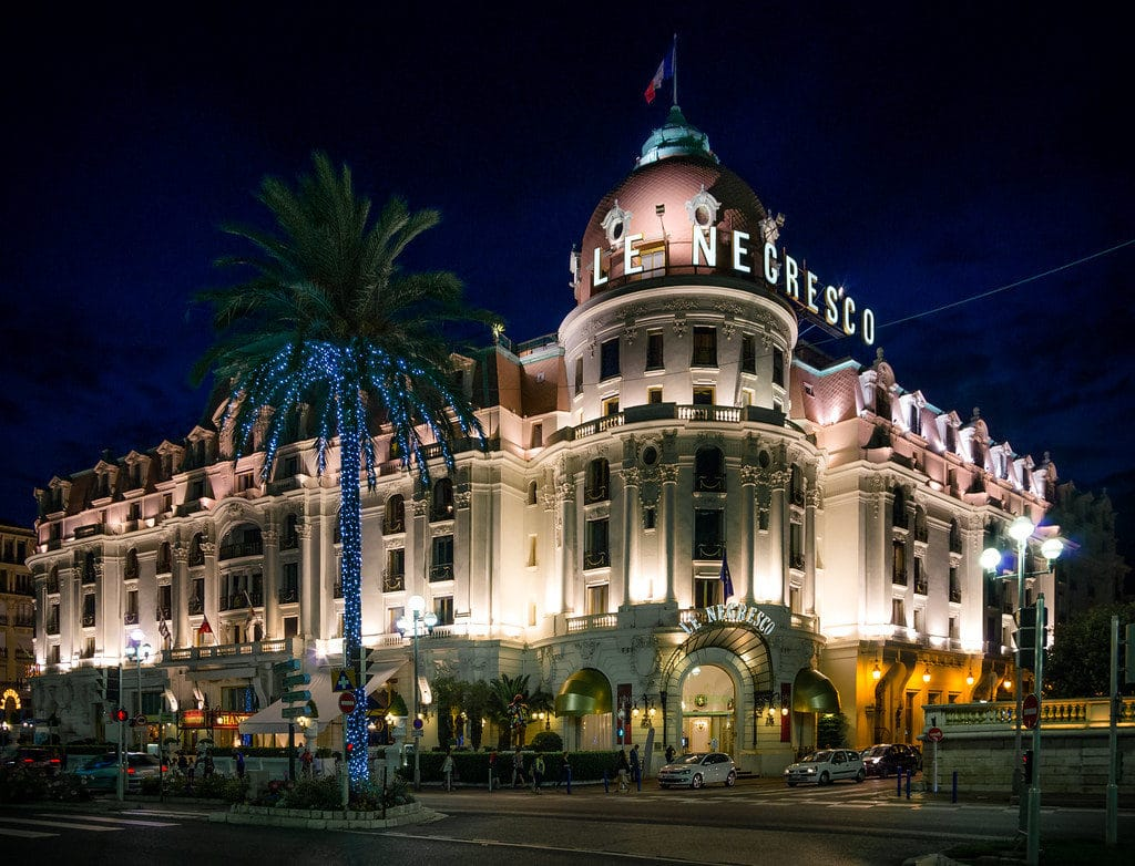 nice travel guide accommodation & transport hotel negresco