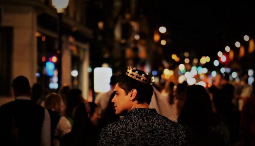 Vie nocturne à Paris pour les touristes