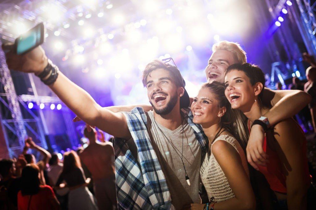 Soirée Nouvel an 2020 à Nice etudiante soiree