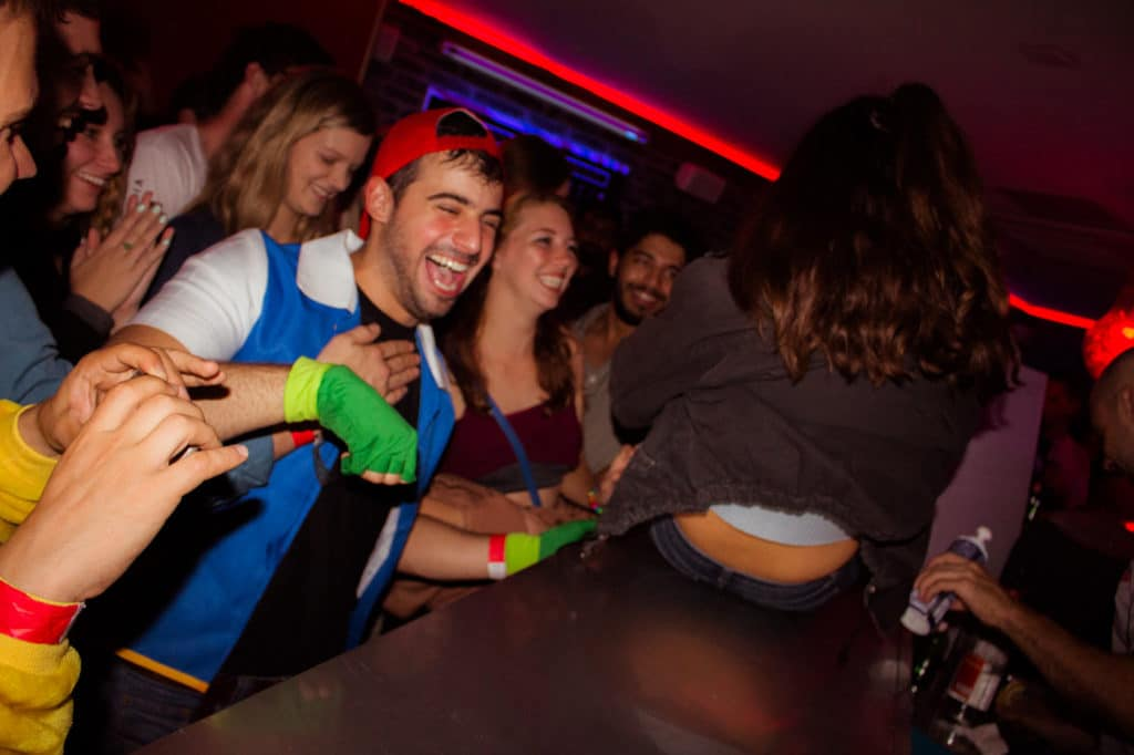 things you can do to have fun in nice with riviera bar crawl tours bar crawl