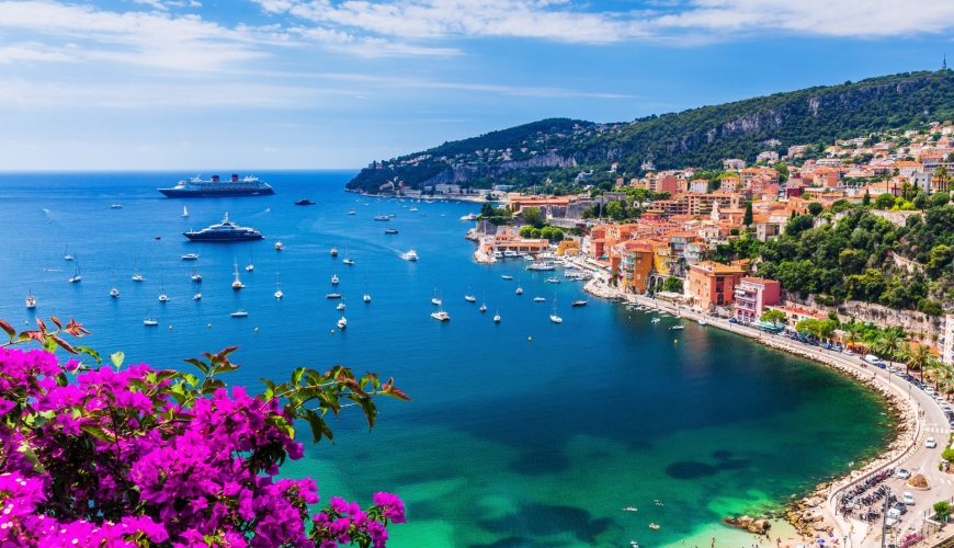 which two countries make up the coastline of the riviera