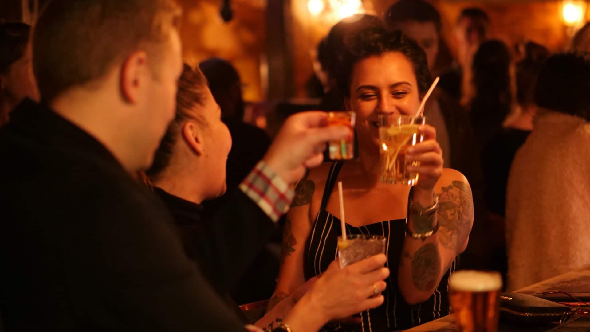 how to organise a pub crawl fundraiser